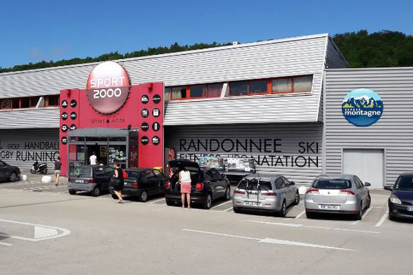 Magasin SPORT 2000 MONTMOROT